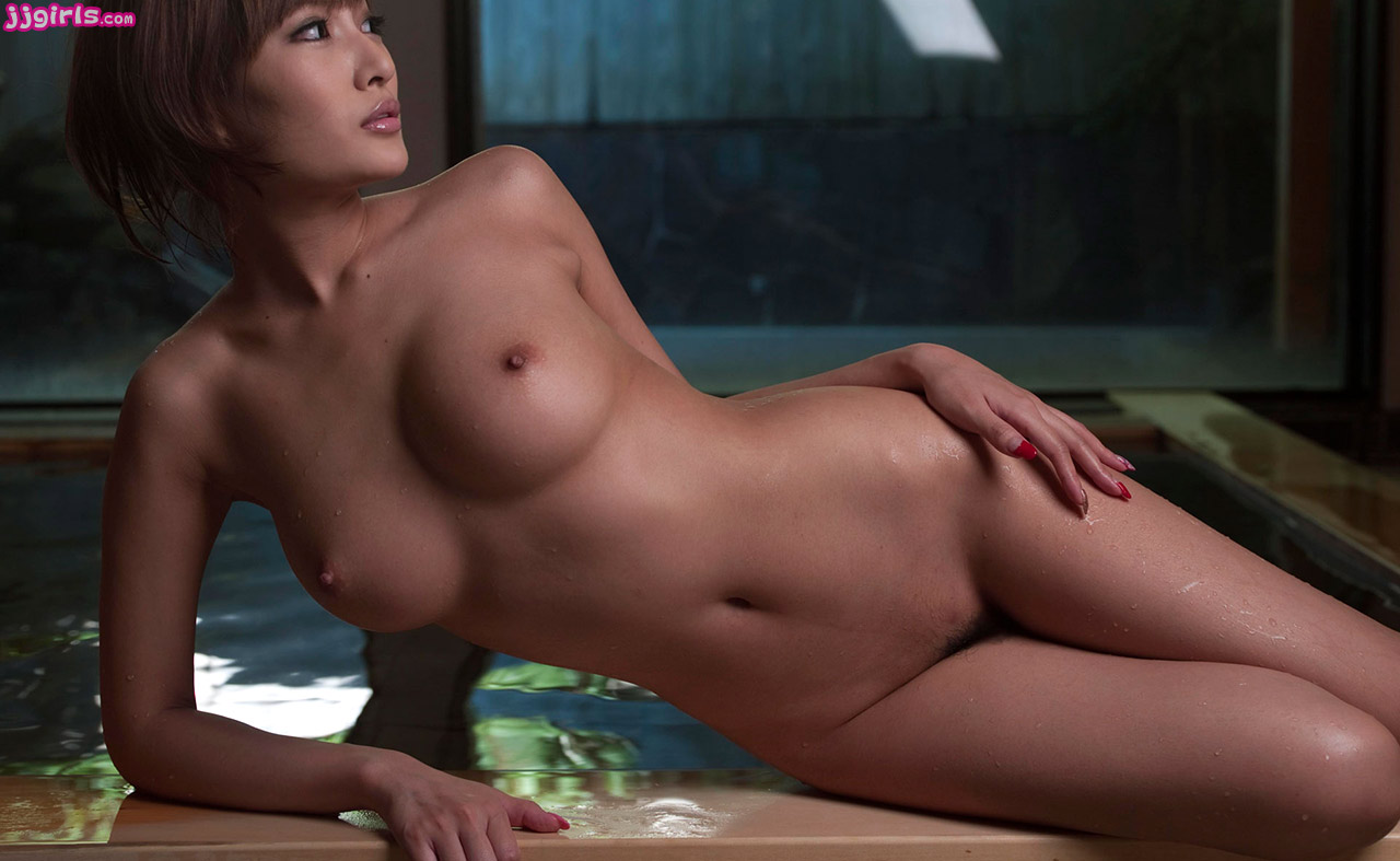 Nude curvy woman