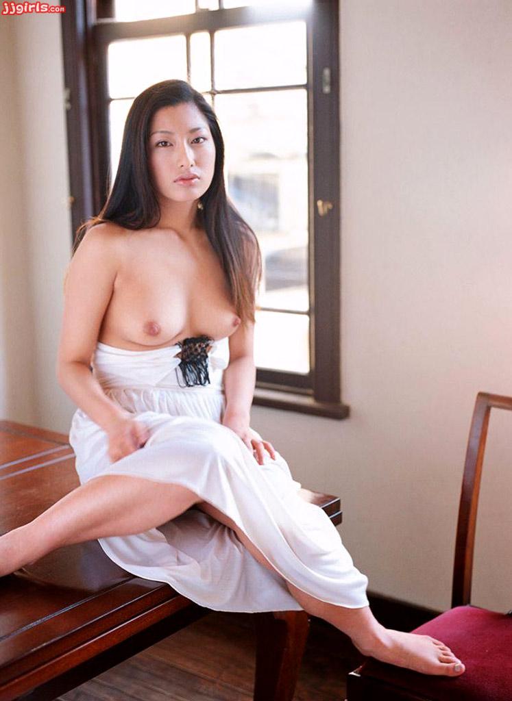 Ran asakawa with hot jugs gives blowjob