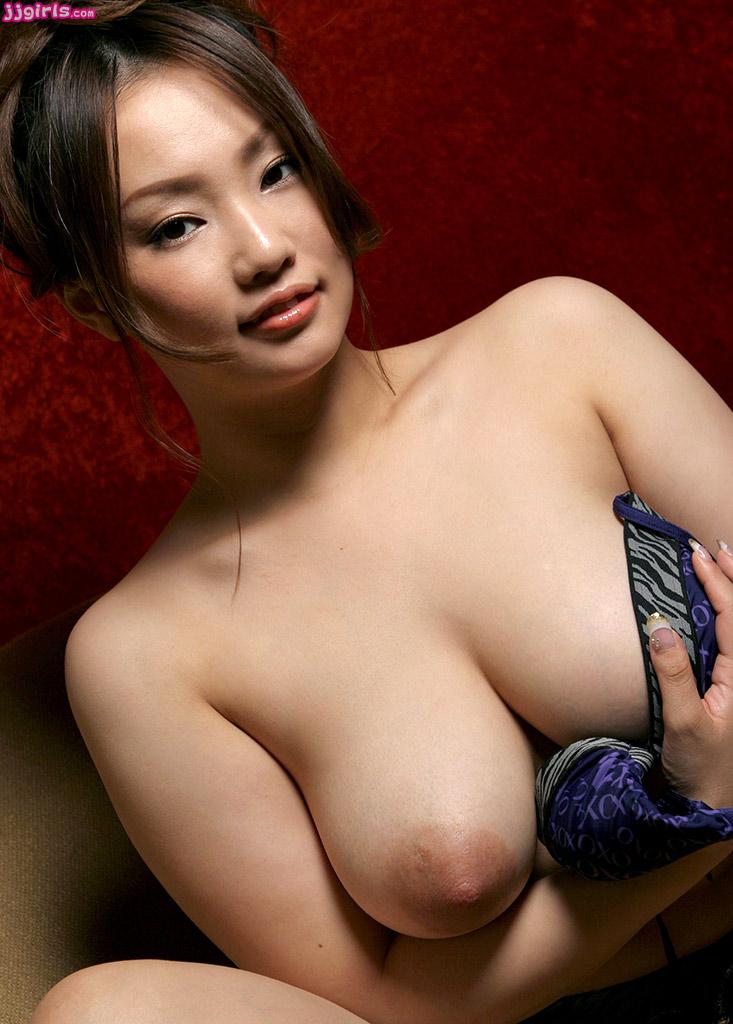 Kyoka ishiguro in lingerie sucks cocks and rubs them with fe - 1 part 7