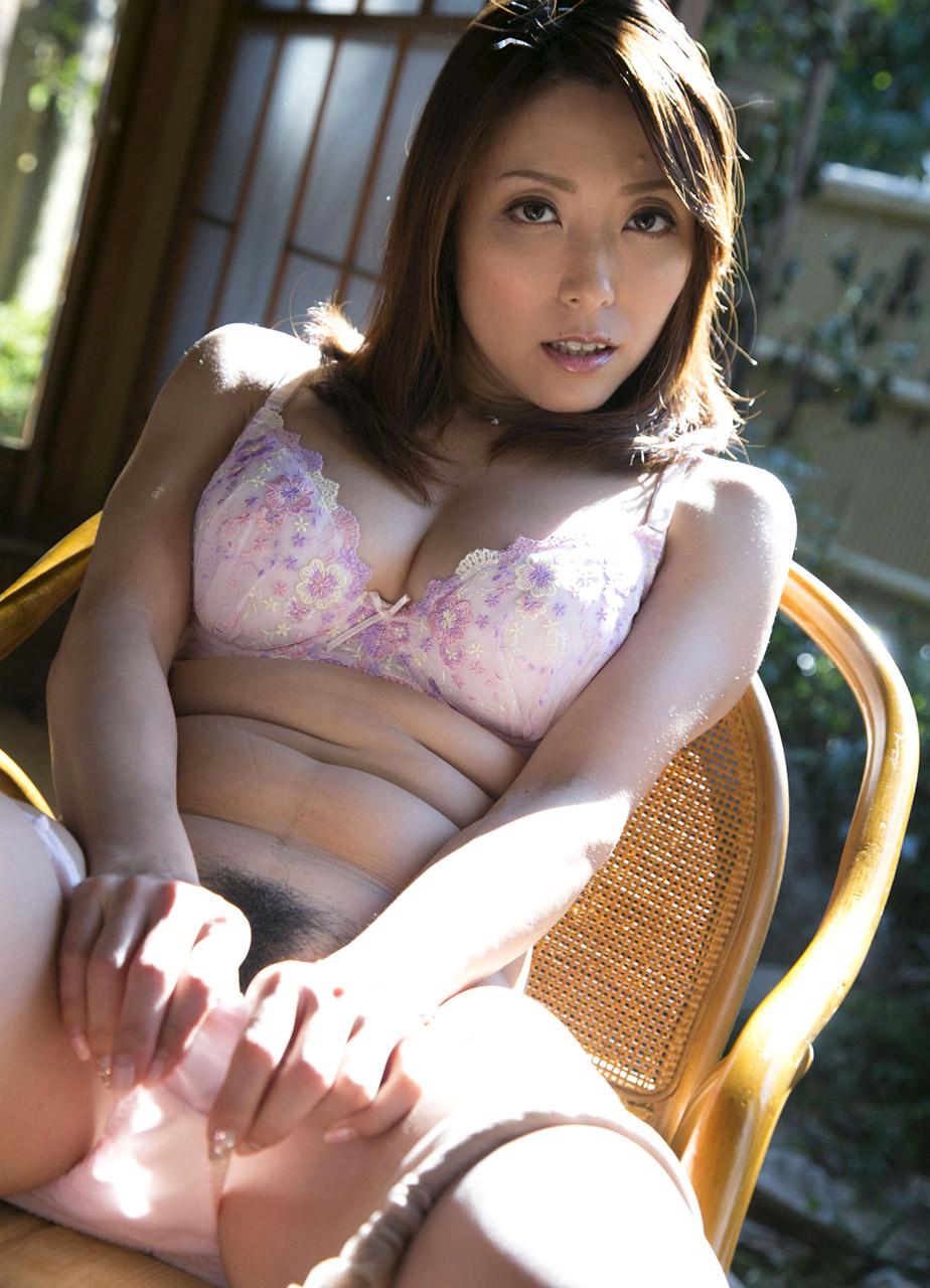 Yuuko Shiraki NUDE Cute Japanese AV Girl Yuuko Shiraki 白木優子 Porn Pic Collection .